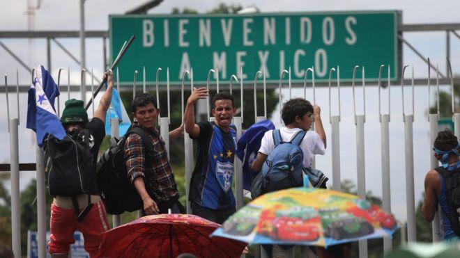 Según Encuesta Reforma México debería permitir el paso a migrantes