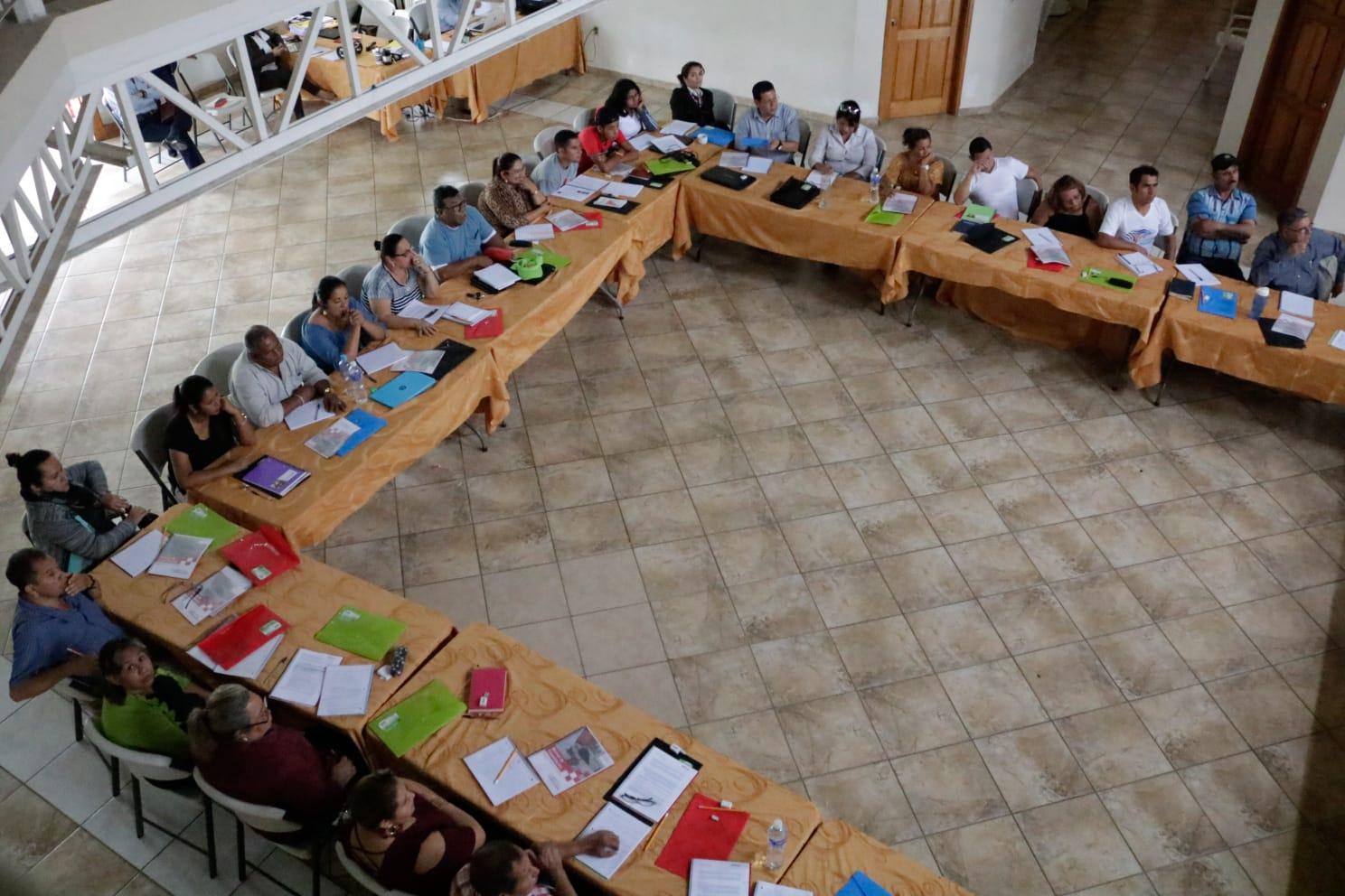 Unos 30 auditores de 12 departamentos participan en Escuela de Auditoría Social de Infraestructura
