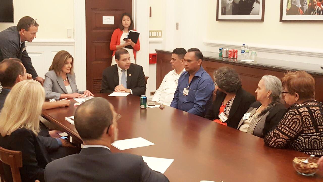 Presidente de ASJ y Nancy Pelosi reunidos con familiares de Berta Cacere
